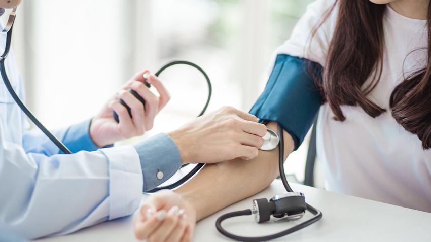 a férfiak magas vérnyomásának első jelei