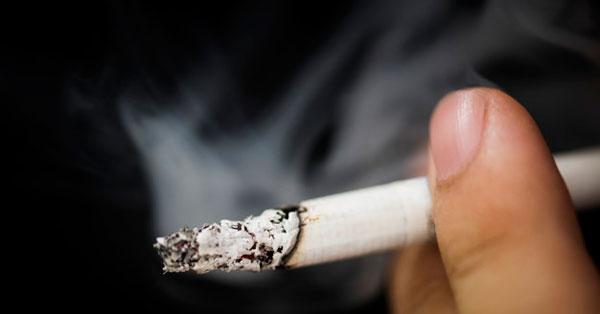 cigaretta és magas vérnyomás attól hogy a halál milyen magas vérnyomás esetén következik be