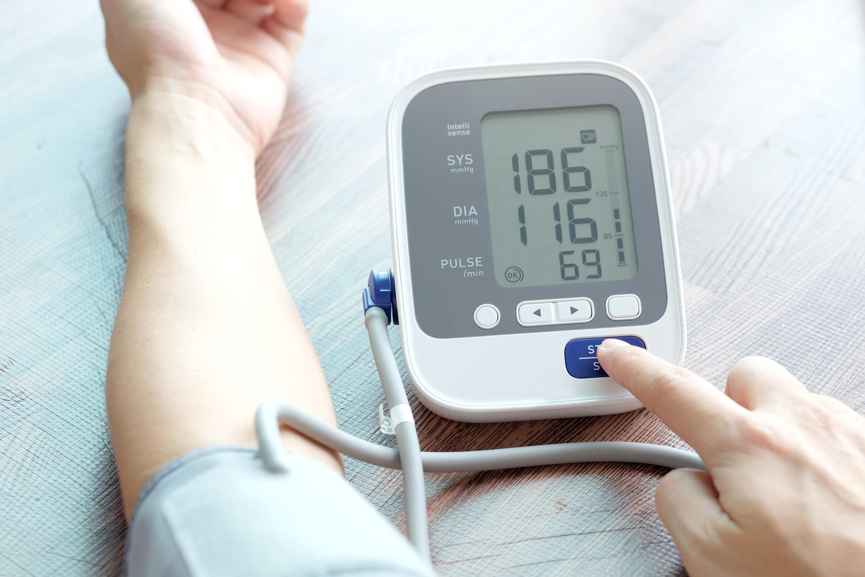 hogyan lehet enyhíteni a magas vérnyomás támadását otthon vegetatív vaszkuláris hipertónia szindróma